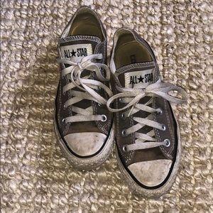Grey converse - well worn (4)